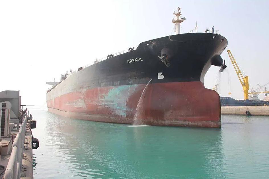 تعمیرات-نفتکش-آرتاویل-در-یارد-مجتمع-کشتی-سازی-ایزوایکو-4