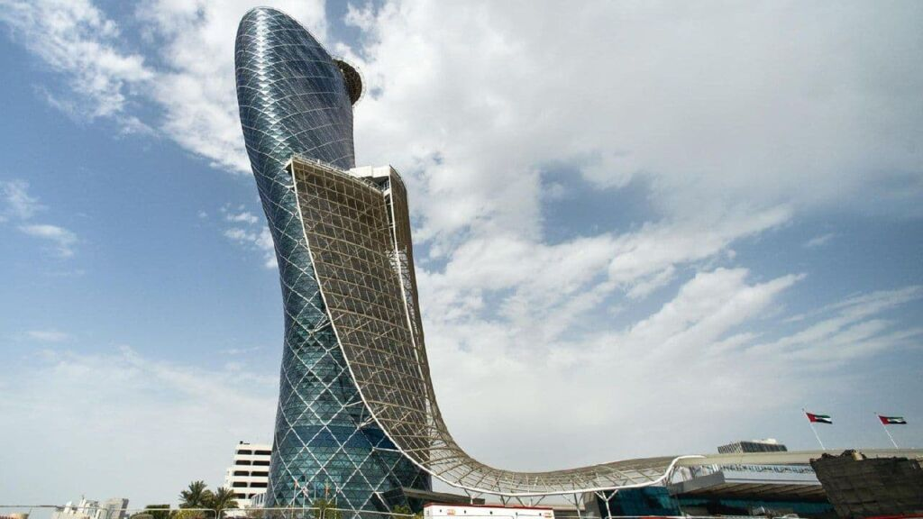 برج دروازه پایتخت در ابوظبی دبی- capital gate tower